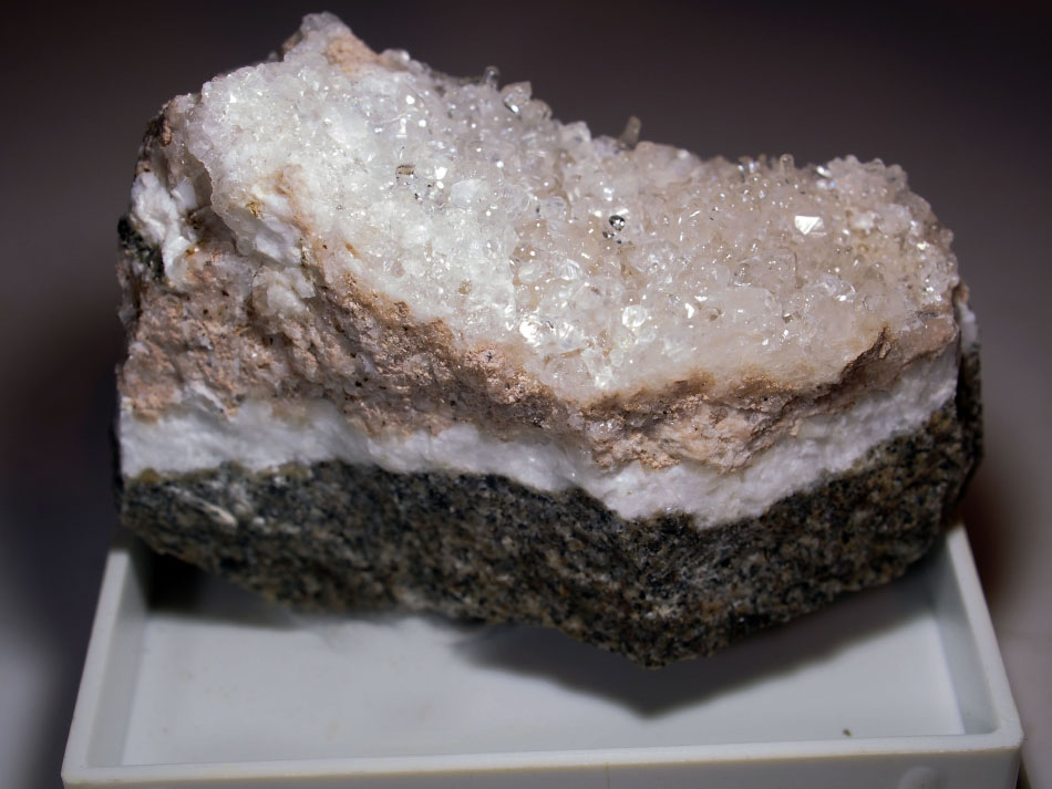 Hyalite With Calcite