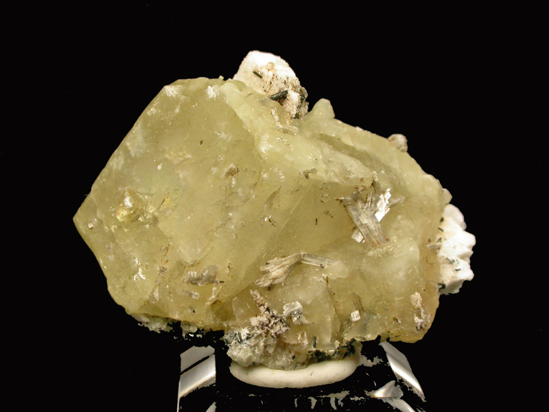 Monteregianite & Calcite