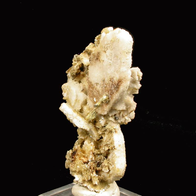 Sabinaite & Microcline & Siderite