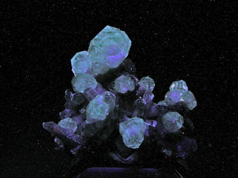 Analcime Quartz & Ankerite