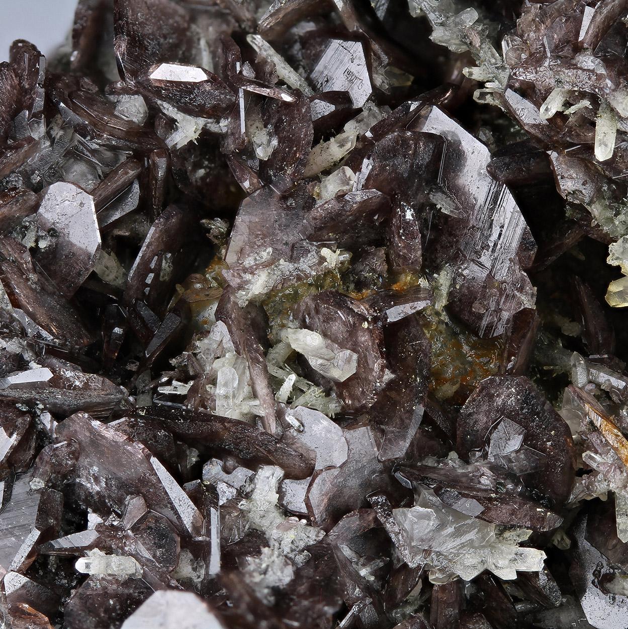 Ferro - Axinite