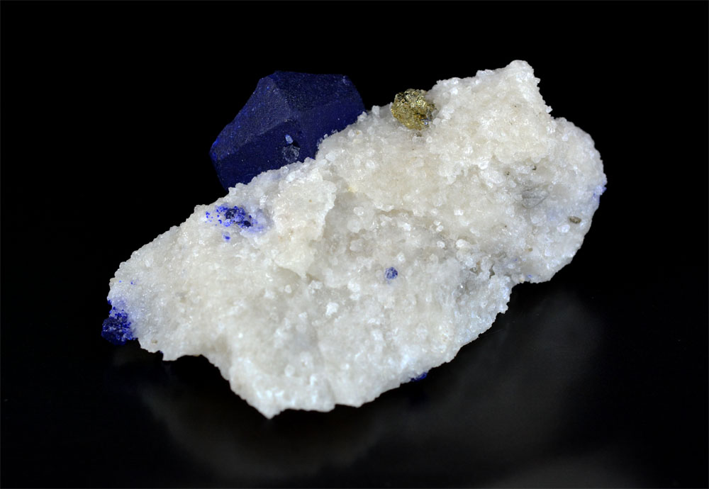 Lazurite With Pyrite