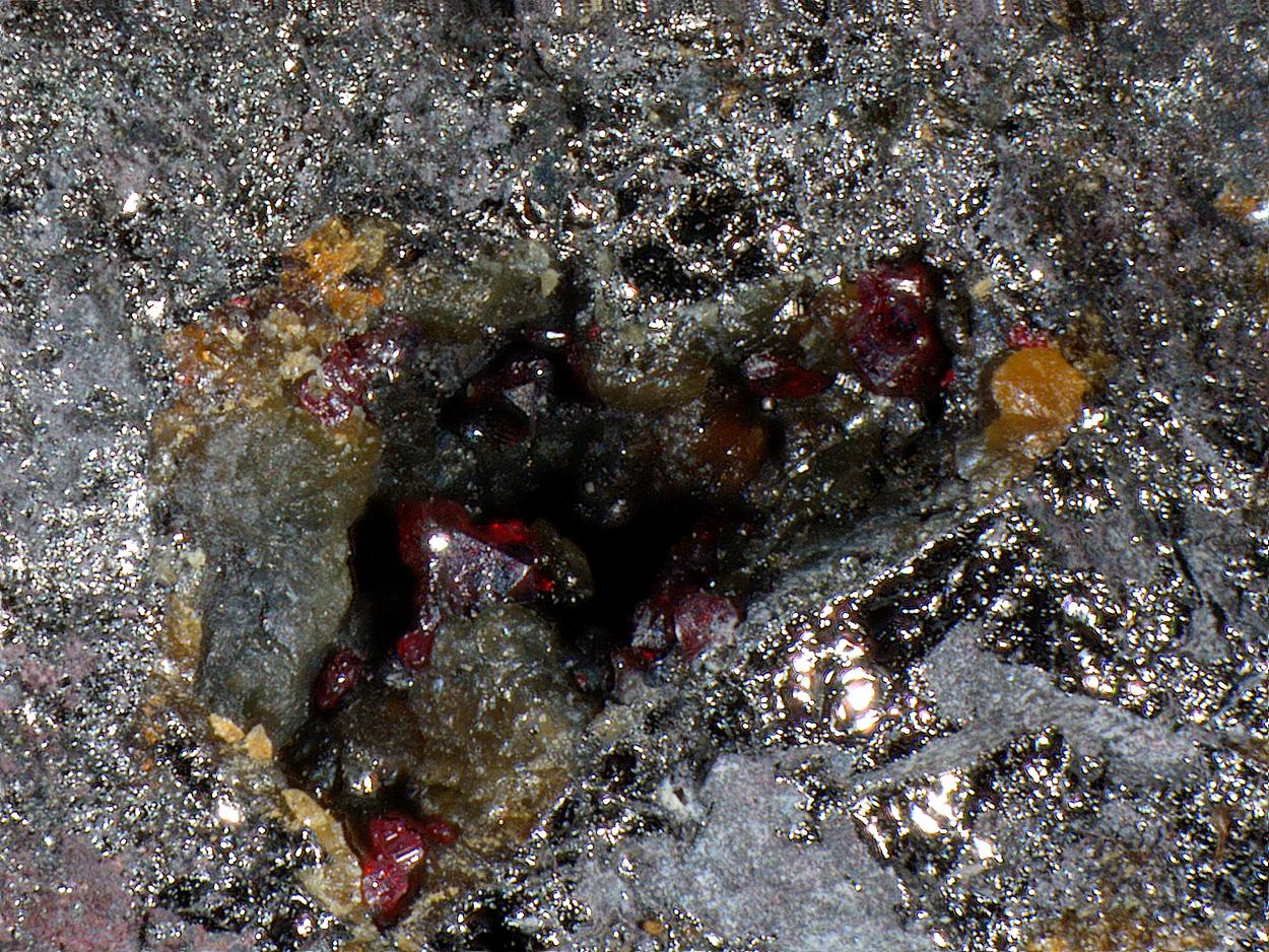 Moschellandsbergite & Cinnabar