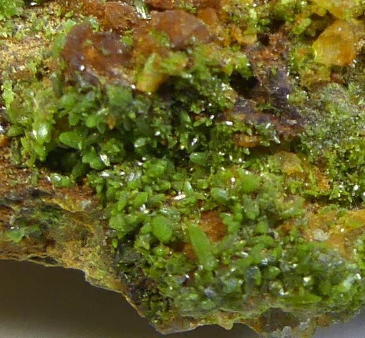 Pyromorphite & Limonite On Quartz