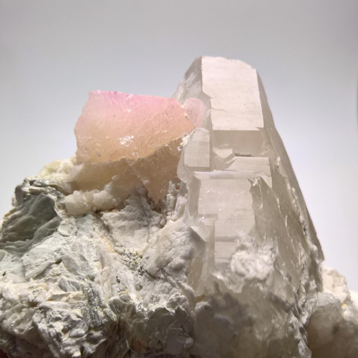 Kunzite With Quartz Albite & Muscovite