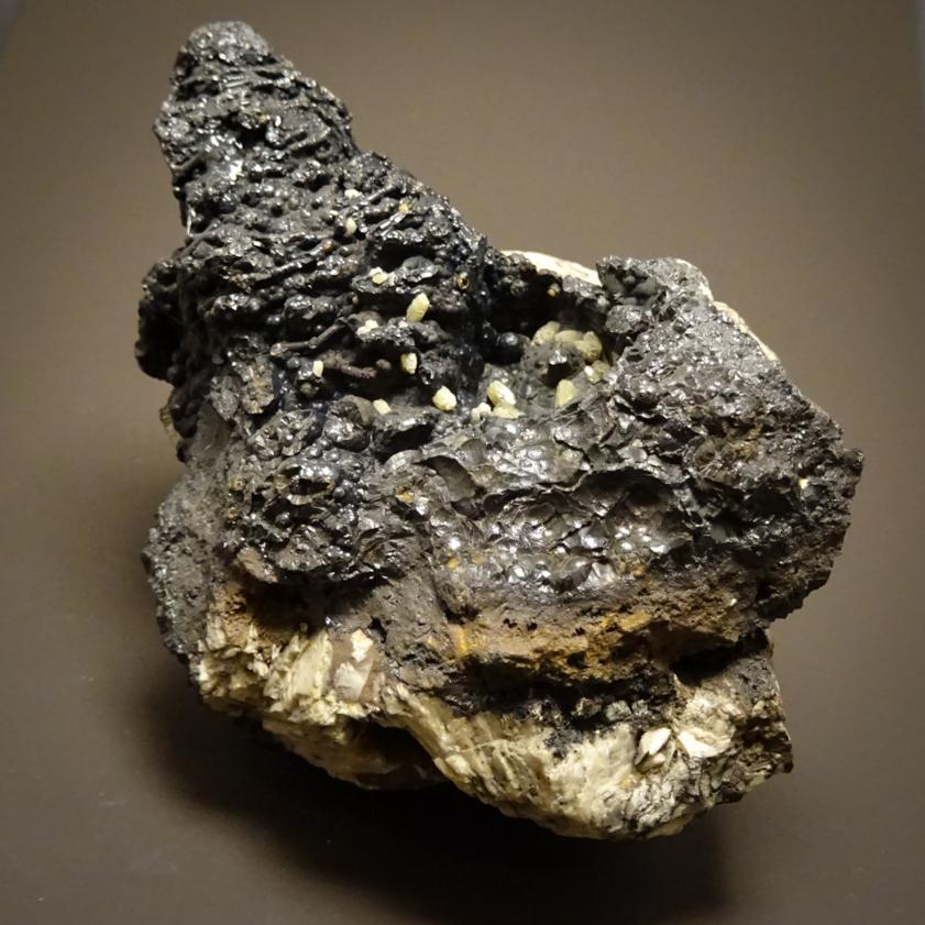 Pyromorphite On Goethite