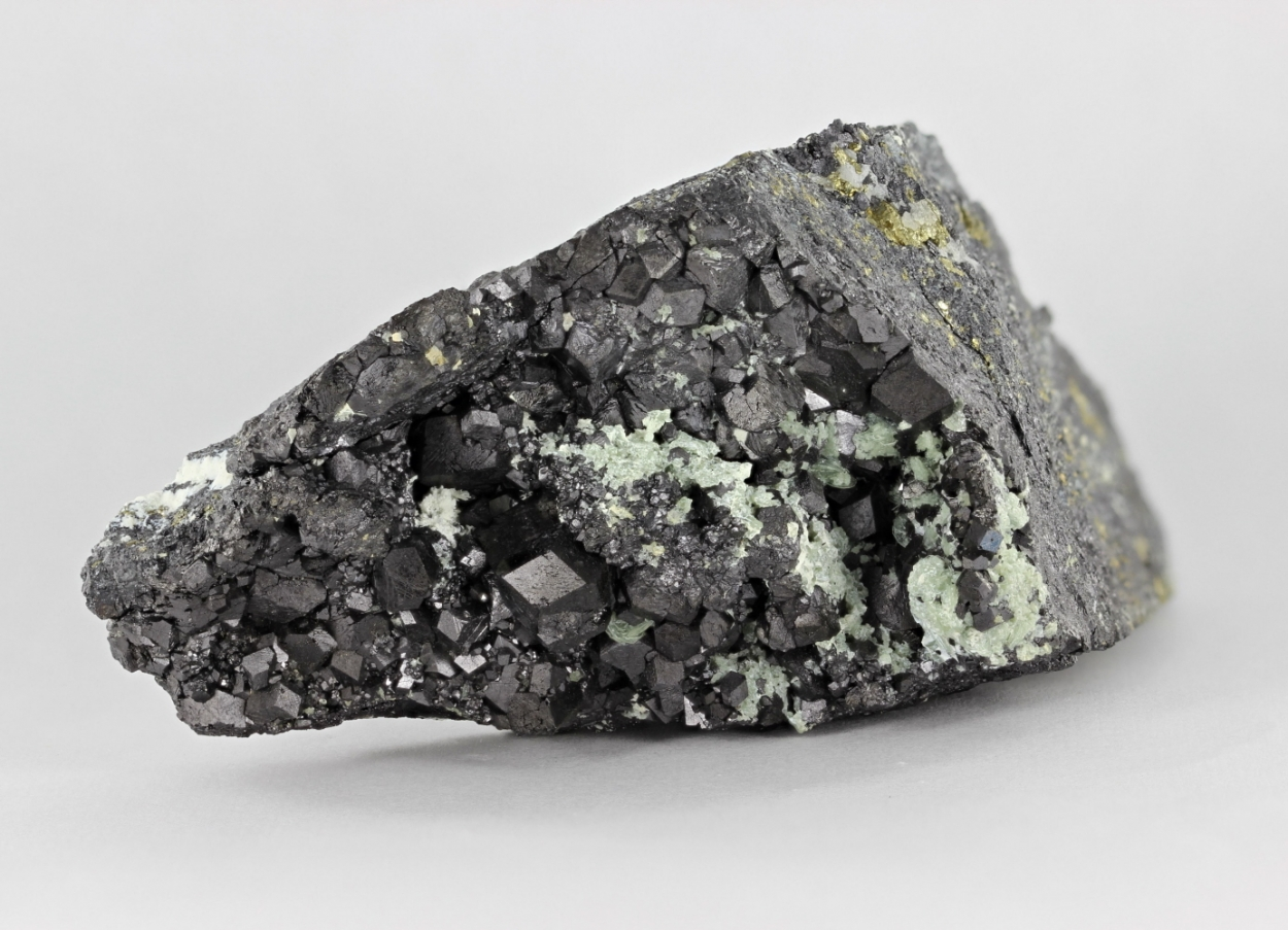 Magnetite With Talc