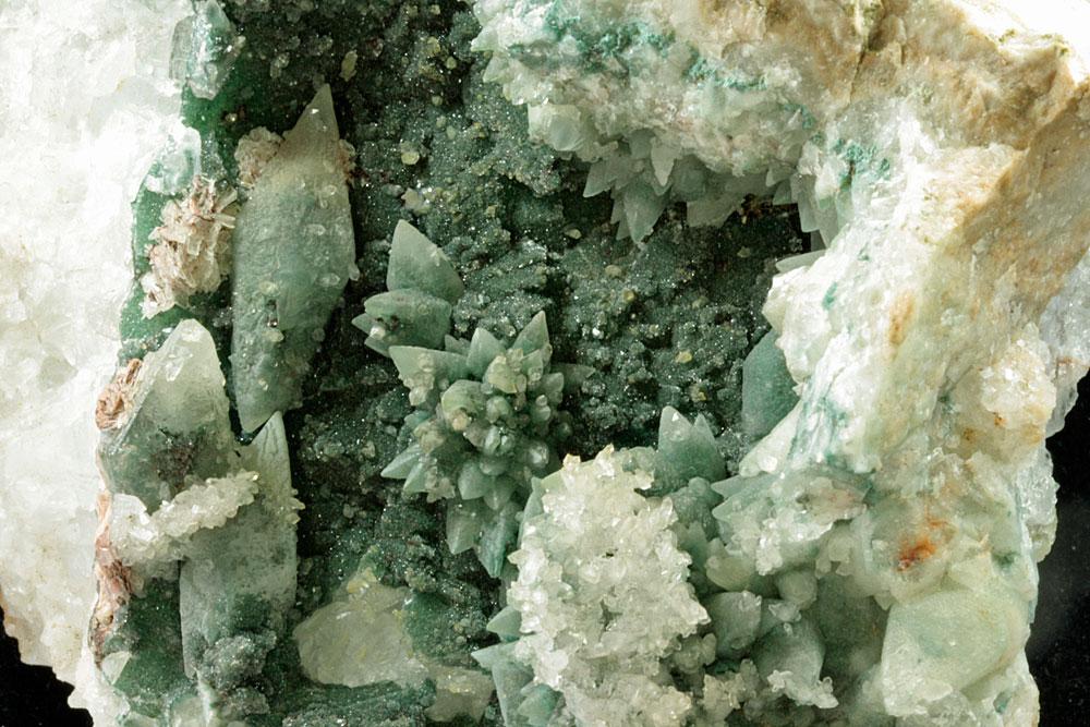 Calcite With Celadonite