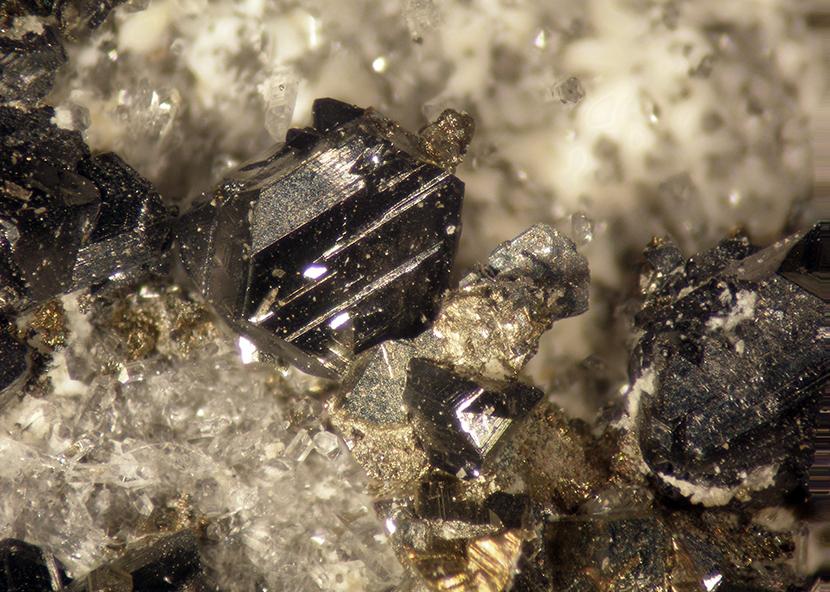 Sphalerite Pyrite & Chalcopyrite
