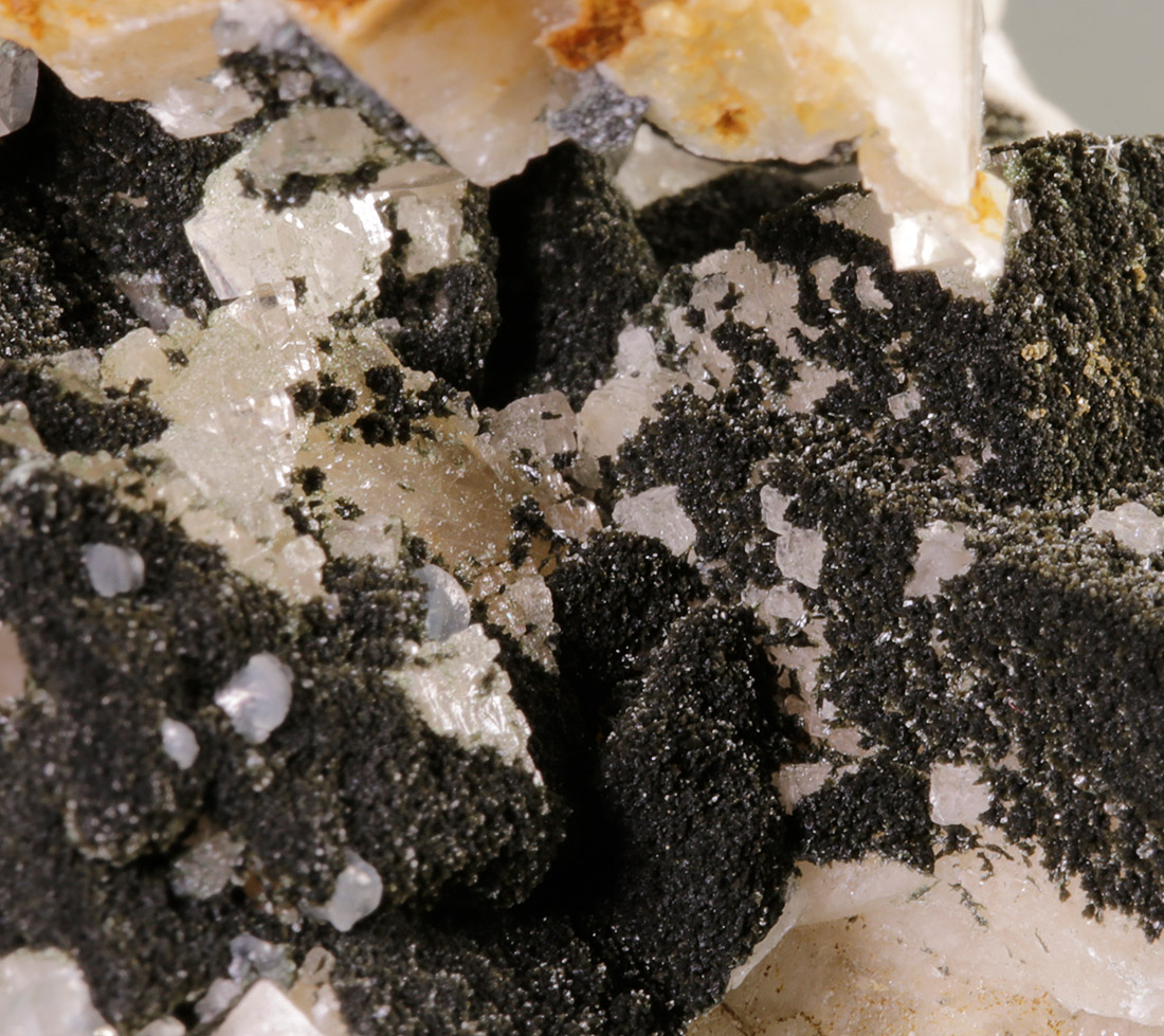 Calcite & Julgoldite