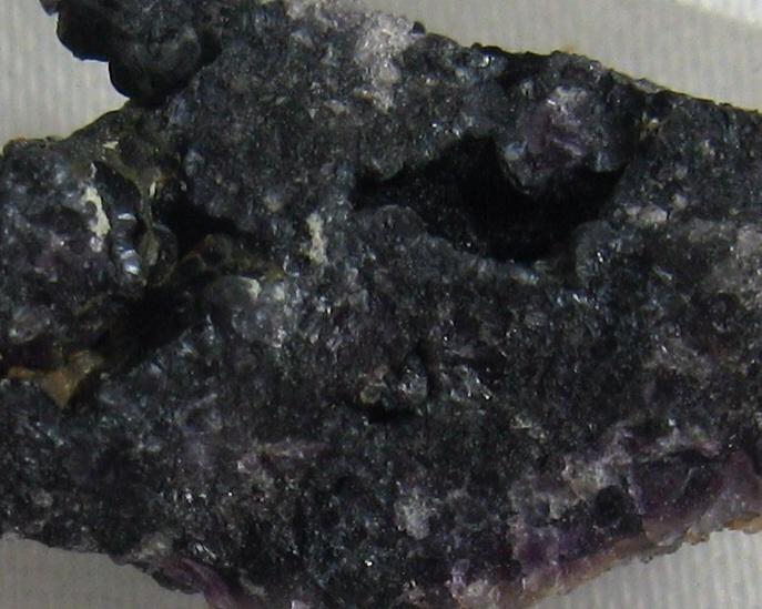 Romanèchite & Fluorite