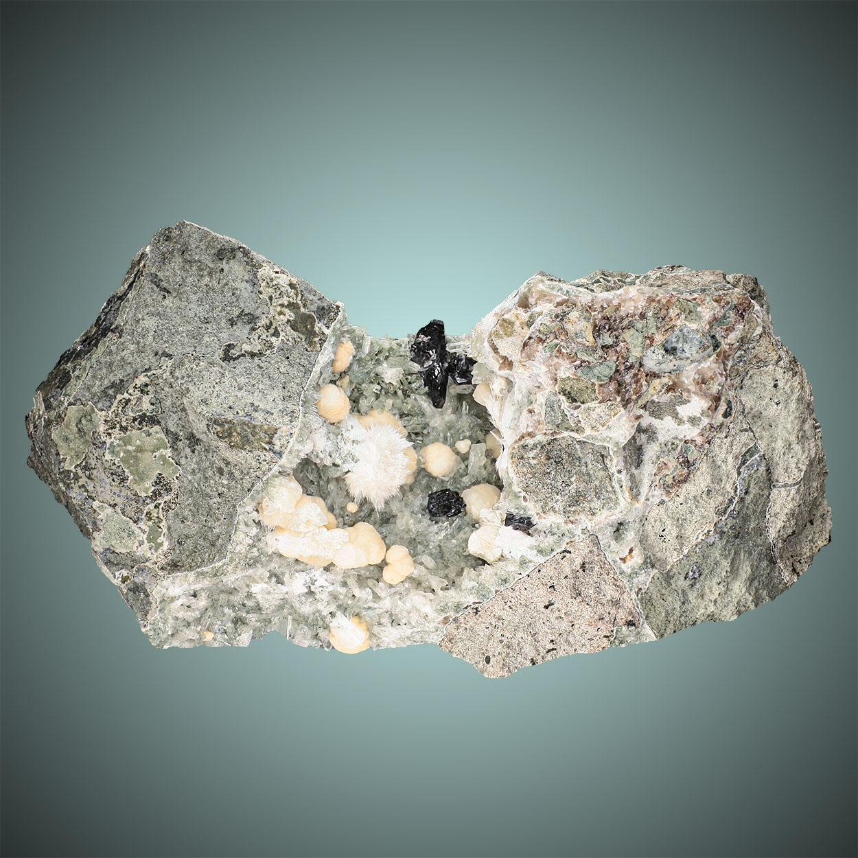 Babingtonite Gyrolite & Okenite