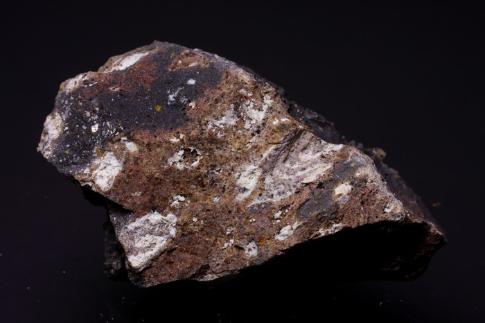 Roedderite & Potassic-richterite