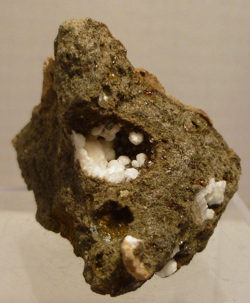 Natrolite Analcime & Saponite