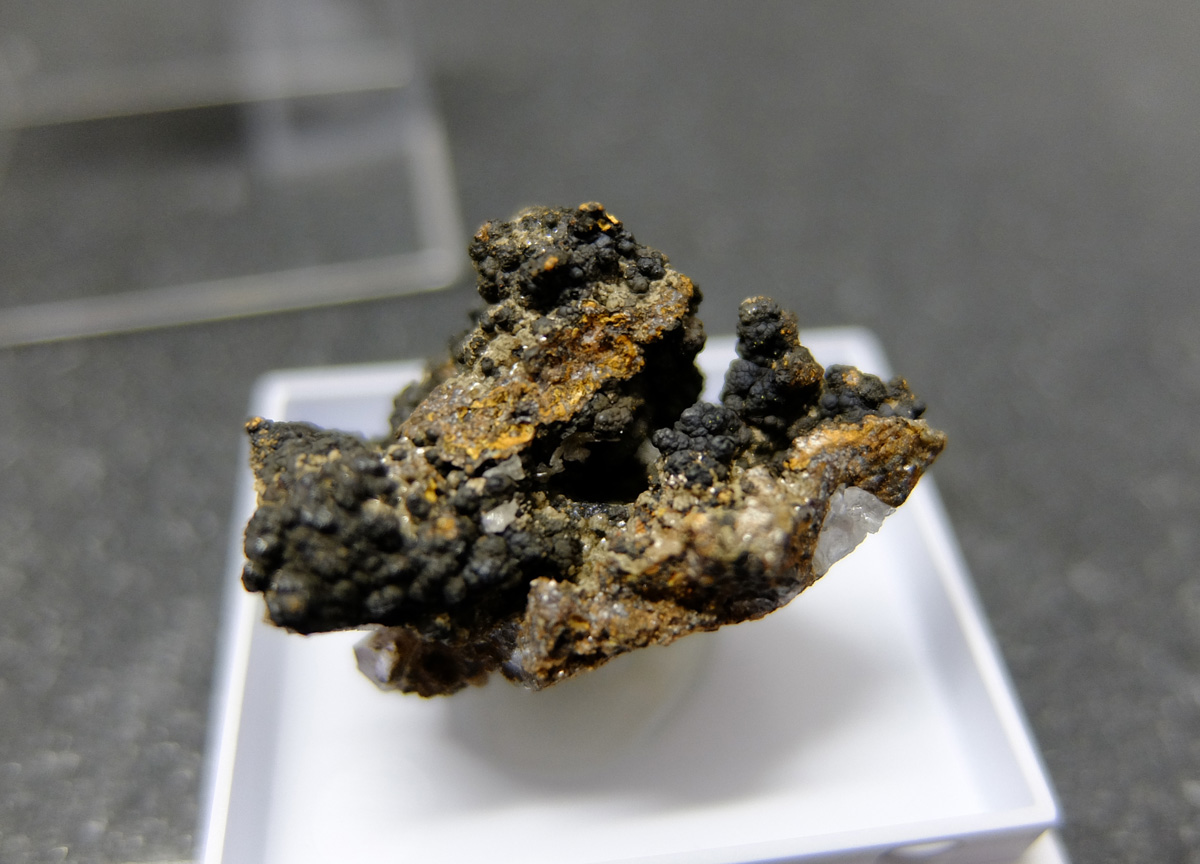Fornacite On Todorokite With Hemimorphite & Fluorite