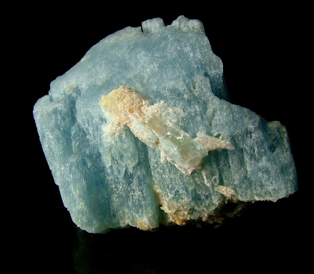 Aquamarine With Quartz
