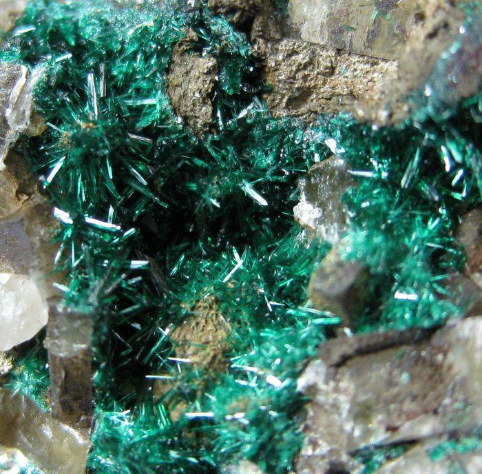 Brochantite With Baryte