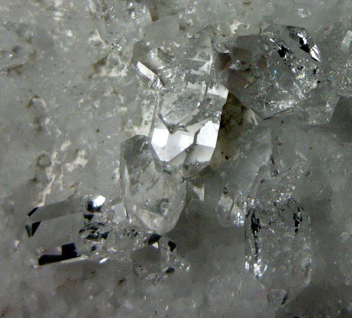 Quartz Var Carrara Diamond On Marble