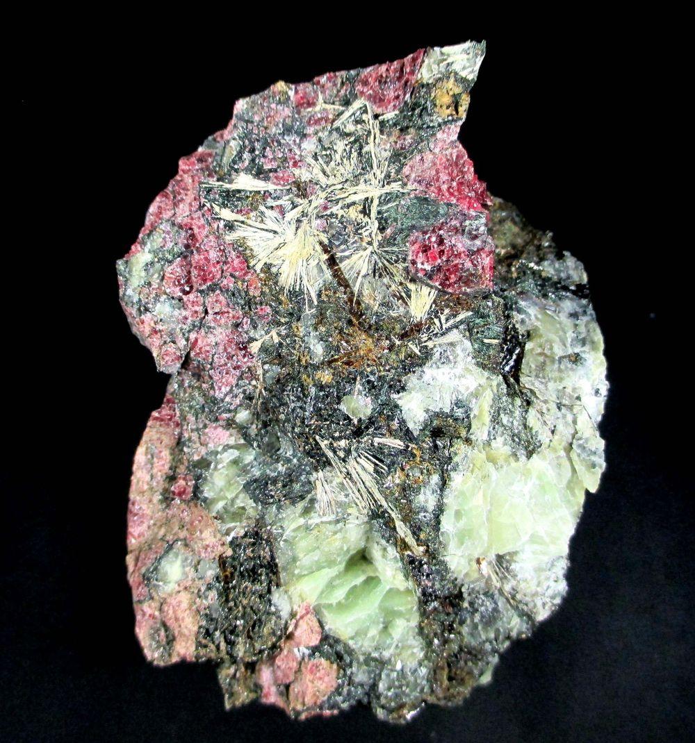 Eudialyte Titanite Aegirine & Astrophyllite