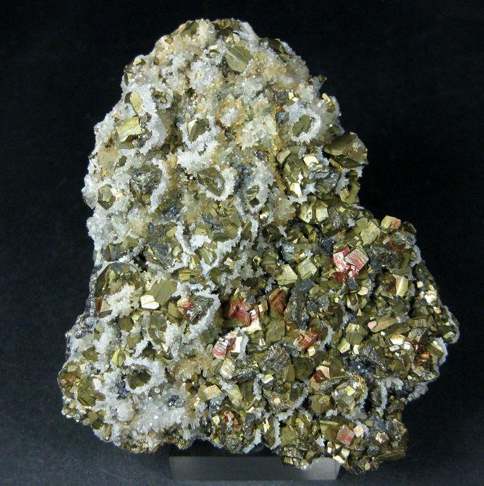 Pyrite Chalcopyrite Sphalerite & Quartz
