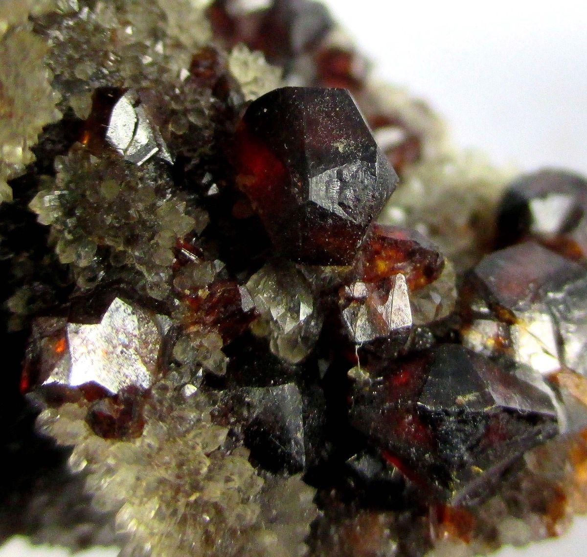 Sphalerite & Calcite On Quartz