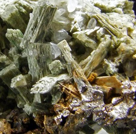 Actinolite Chalcopyrite & Axinite-(Fe)