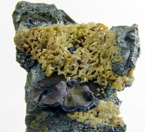 Bromian Chlorargyrite On Coronadite