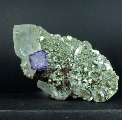 Scheelite Fluorite & Dolomite On Quartz