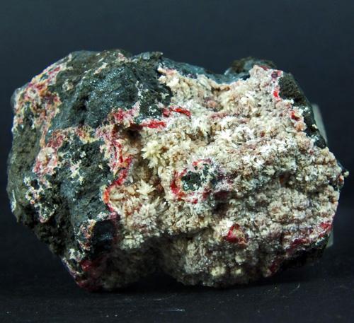 Montgomeryite On Ferroan Variscite