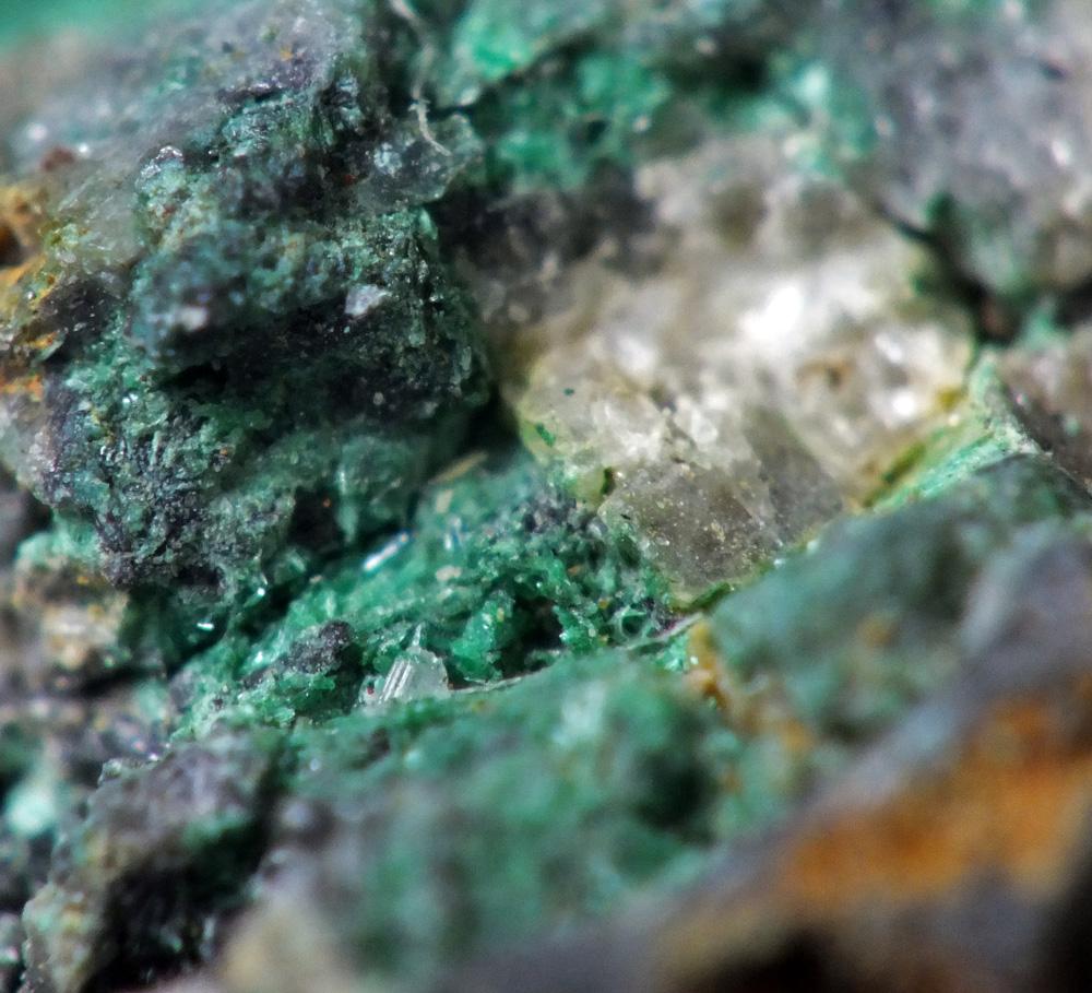 Posnjakite Malachite & Cerussite