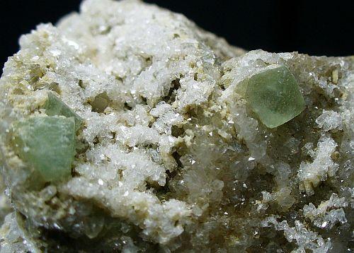 Fluorite Heulandite Epistilbite Quartz