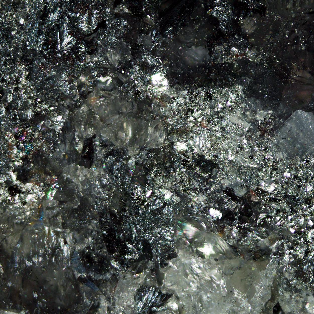 Antimony Kermesite & Stilbite