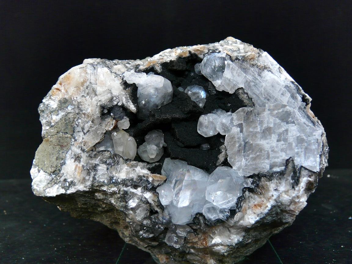 Julgoldite Iron