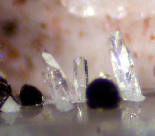 Kainosite-(Y) & Hematite