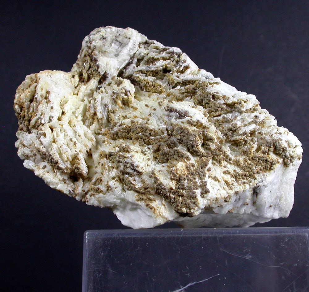 Zanazziite Kosnarite & Cleavelandite