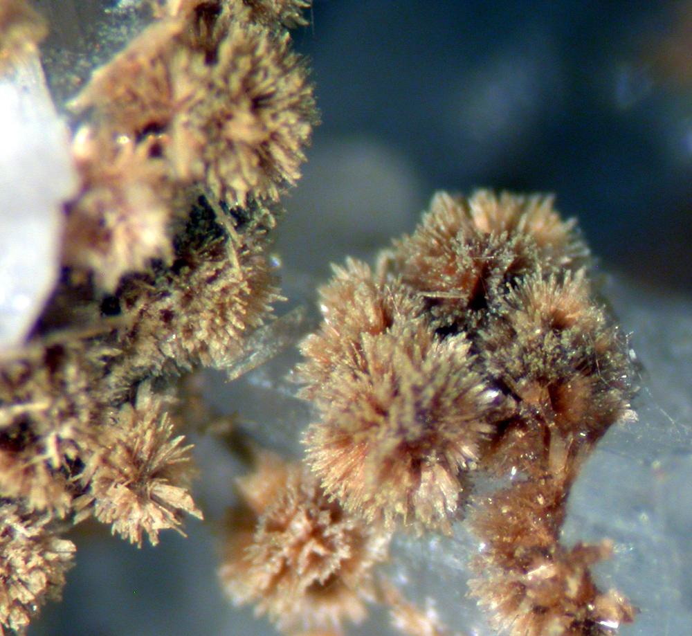 Eosphorite Roscherite Quartz & Albite