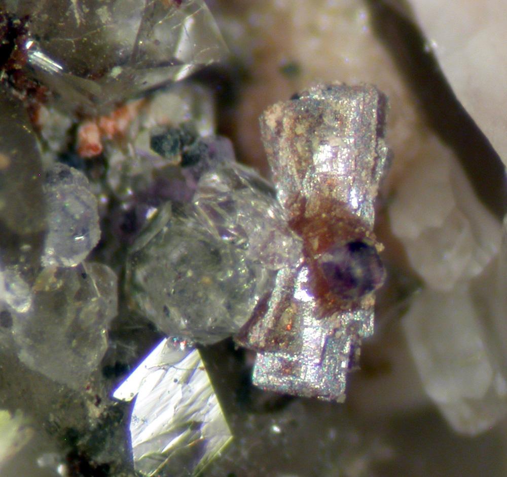 Aeschynite-(Y) & Fluorite