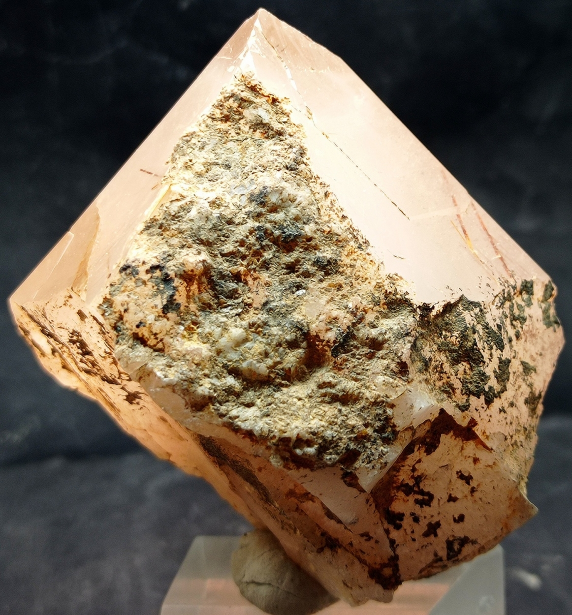 Quartz With Rutile Inclusions