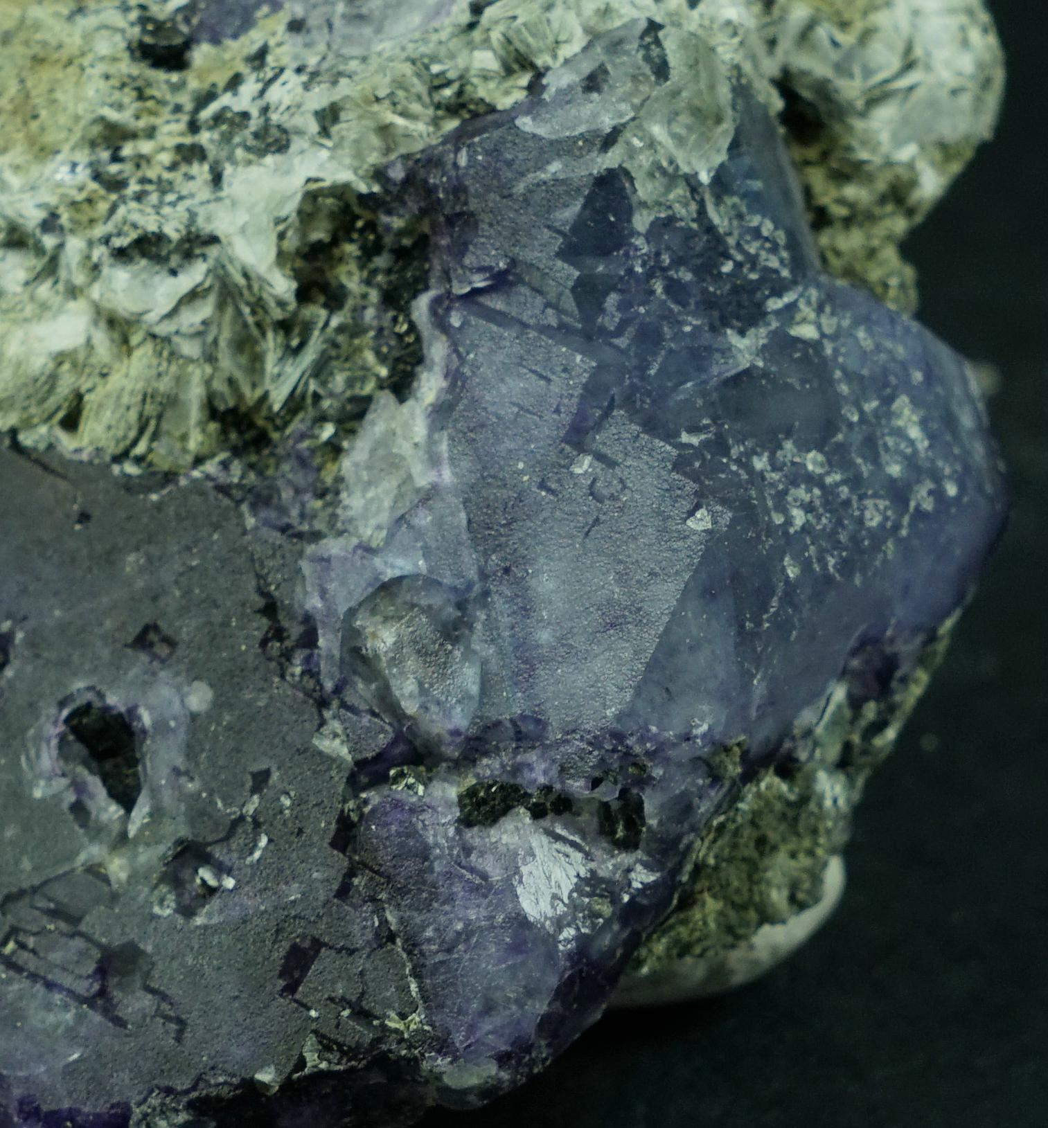 Fluorite & Thomsonite