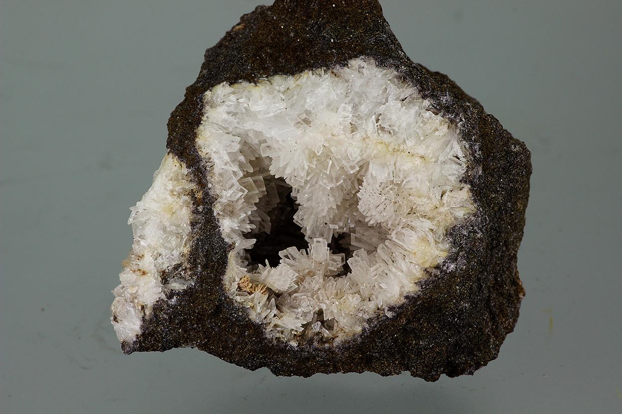 Fluorcalcioroméite Psm Stibnite