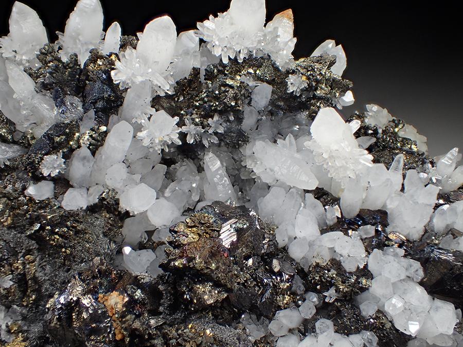 Quartz Sphalerite & Chalcopyrite