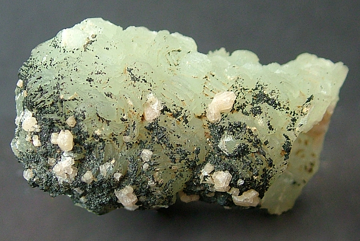 Gmelinite Pumpellyite On Prehnite