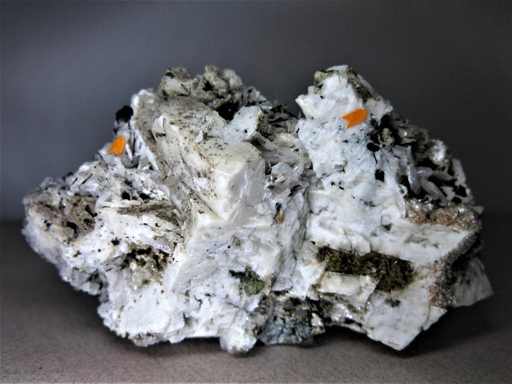 Petarasite & Manganoneptunite