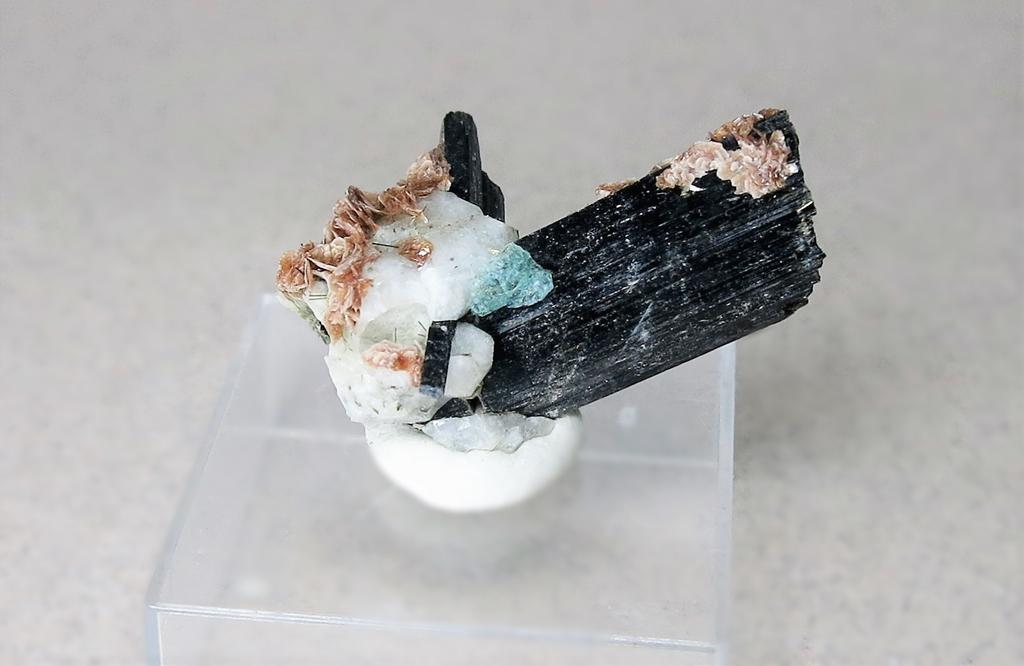 Fluorite Aegirine & Rhodochrosite