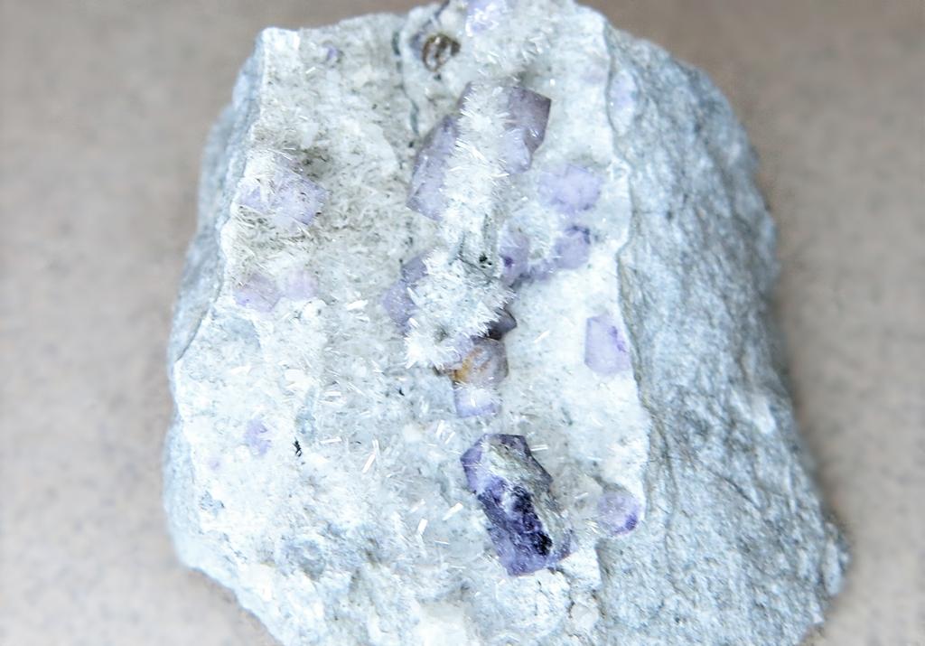 Fluorite & Dawsonite