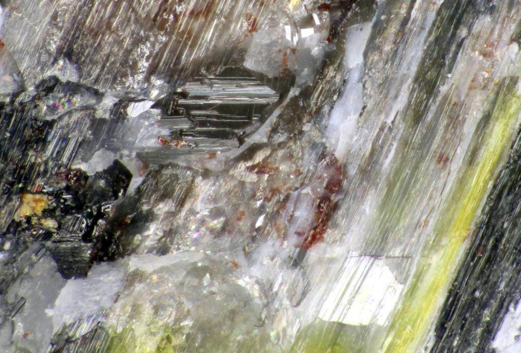 Lithiotantite & Thoreaulite