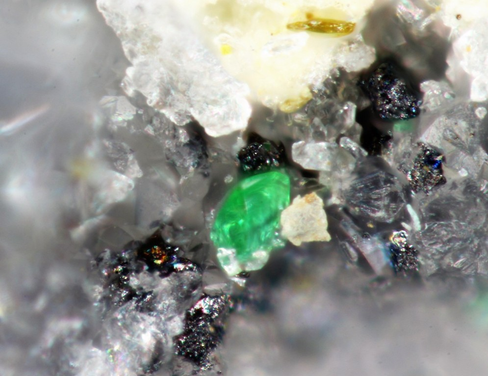 Rajite Tellurite & Goldfieldite