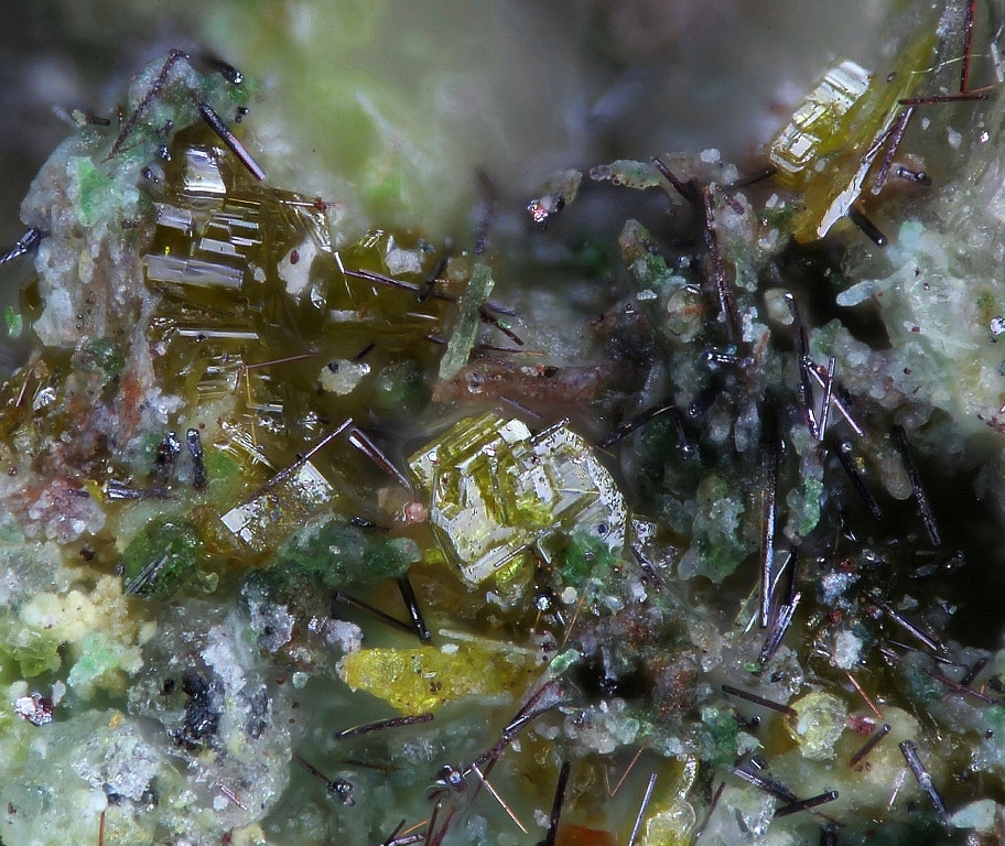 Lammerite-β Lyonsite & Alumoklyuchevskite