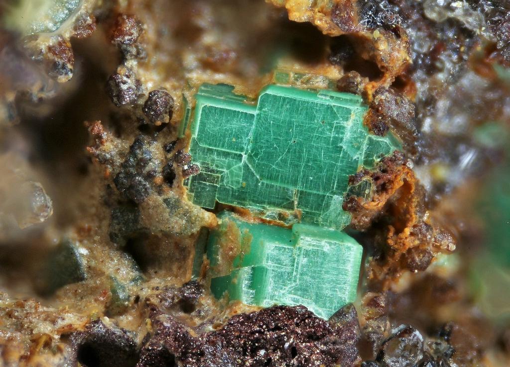 Phosphowalpurgite