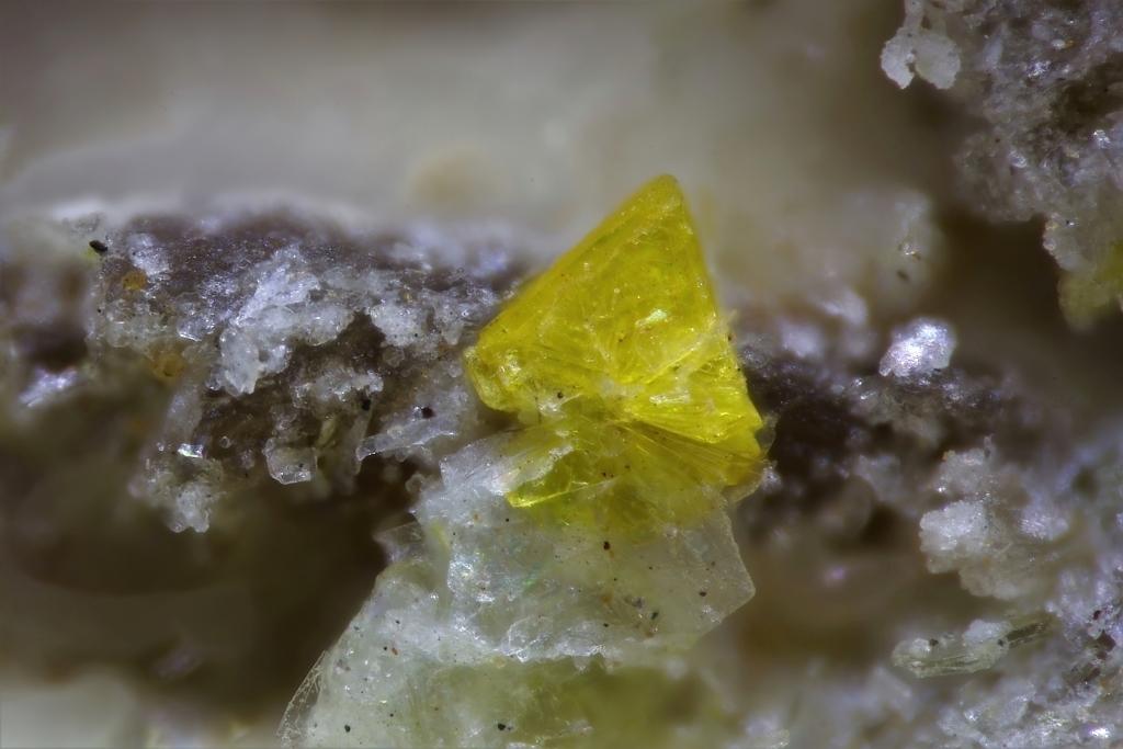 Triangulite & Threadgoldite
